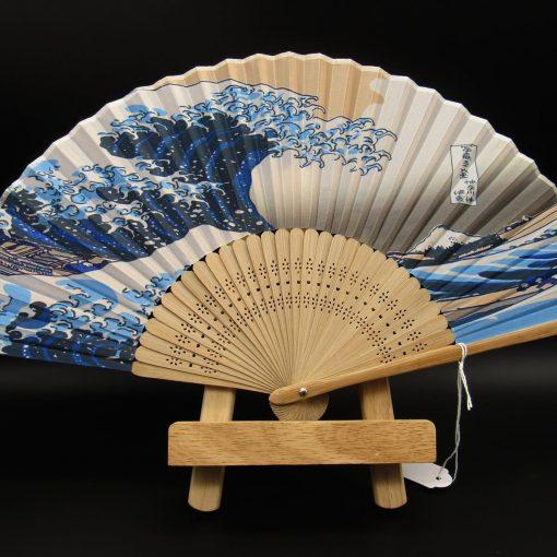 Sensu con la Grande Onda di Hokusai