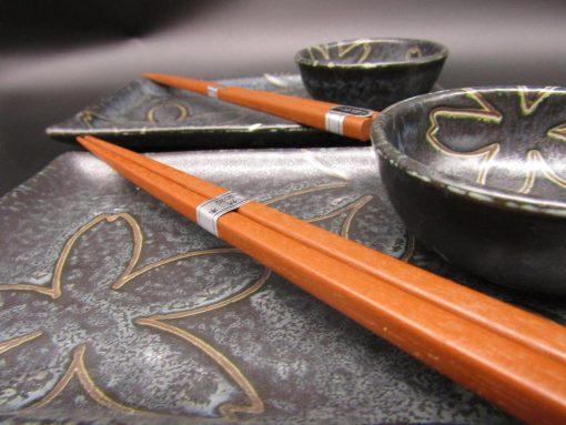 Set da sushi per 2 nero con fiori stilizzati